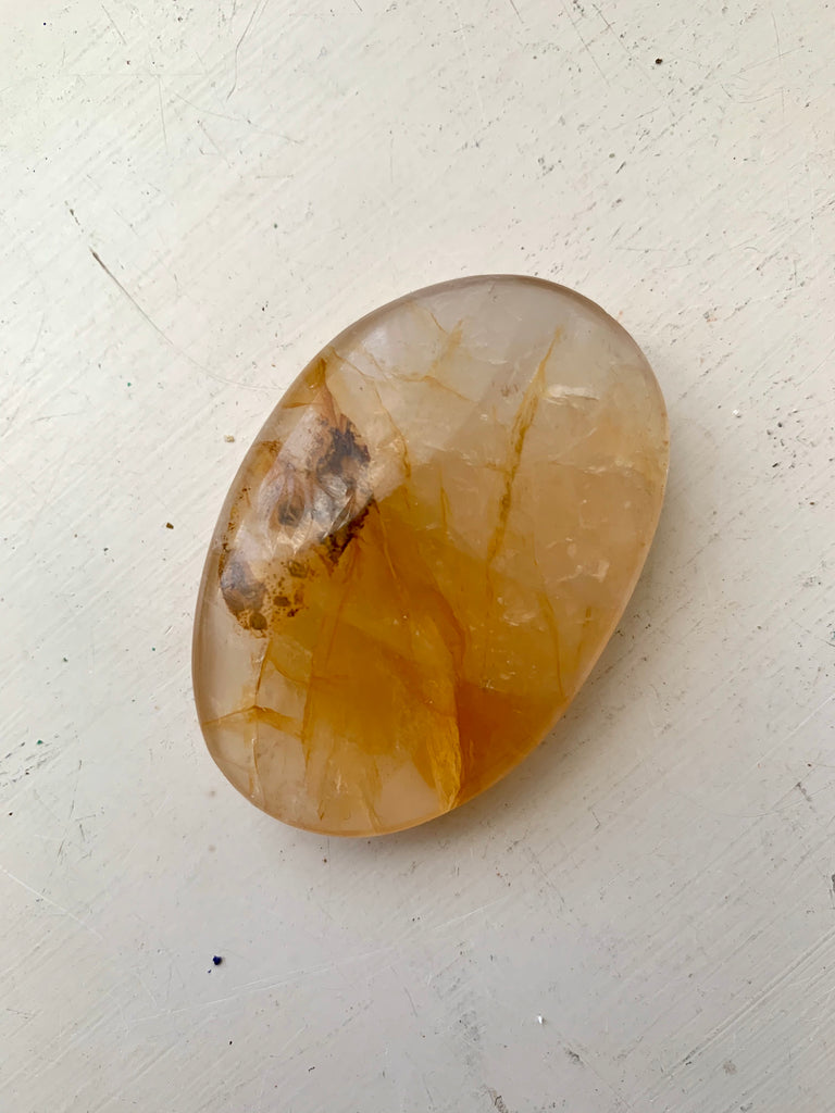Golden Healer Quartz Pebble - Jewels & Gems