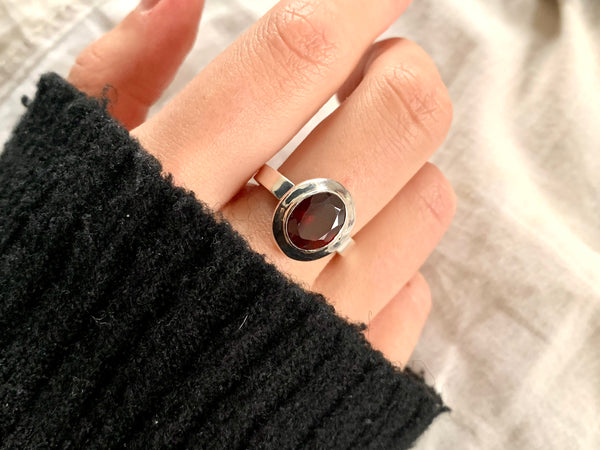 Garnet Ansley Ring - Small Oval (US 8.5) - Jewels & Gems
