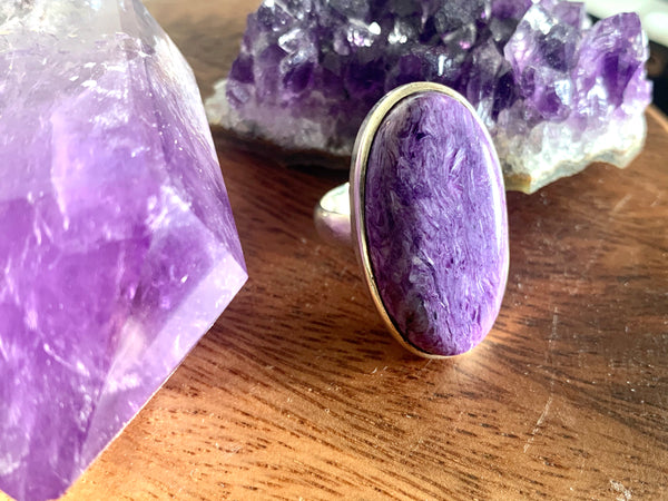 Charoite Akoni Ring - Long Oval - Jewels & Gems