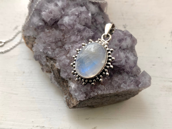 Moonstone Lux Pendant - Jewels & Gems