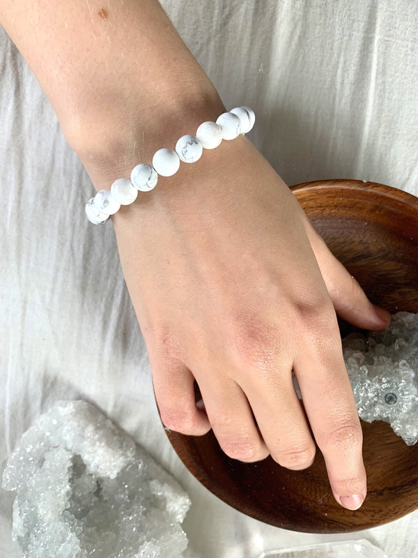 Howlite Bracelet - Jewels & Gems