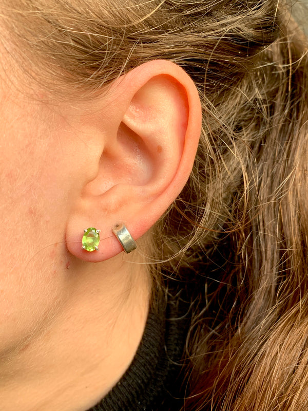Peridot Sanaa Studs - Faceted Oval - Jewels & Gems