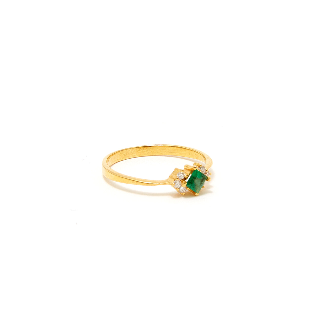 Petit Jai Emerald Diamond Nine Ring