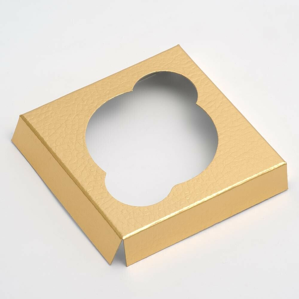 Gold 9cm Square Platform For Transparent Cupcake Boxes - Wedding Favours, Homemade Gifts and Treat Display