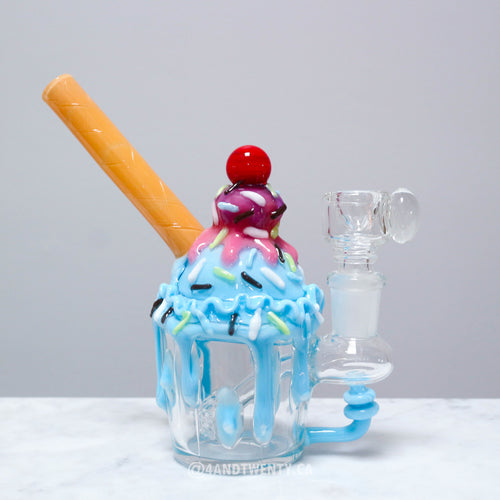 Bubblegum Sundae by Empire Glassworks