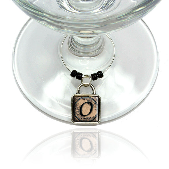 Vintage Letter O Initial Black Tan Wine Glass Drink Marker Charm Ring