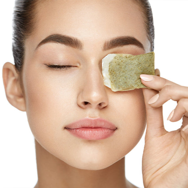 How To Remove Dark Circles Under Eyes Naturally in One Week -Apply Green Tea Bags
