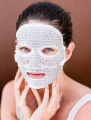 The Franz Microcurrent Facial Dual Mask is an award-winning microcurrent facial treatment delivered in a dual-layered mask