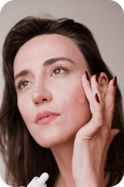 The Many Benefits  of a Face Serum