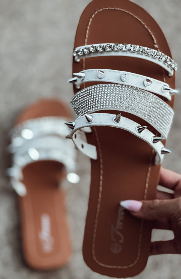 The White Jacey Sandal - Face 2 Soul Beauty Boutique