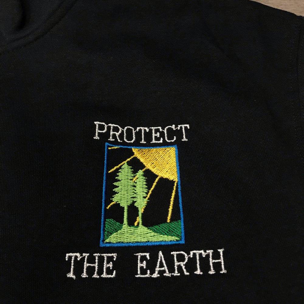 VINSTINCTS Protect The Earth Wild Life 1/4 Zip Sweatshirt