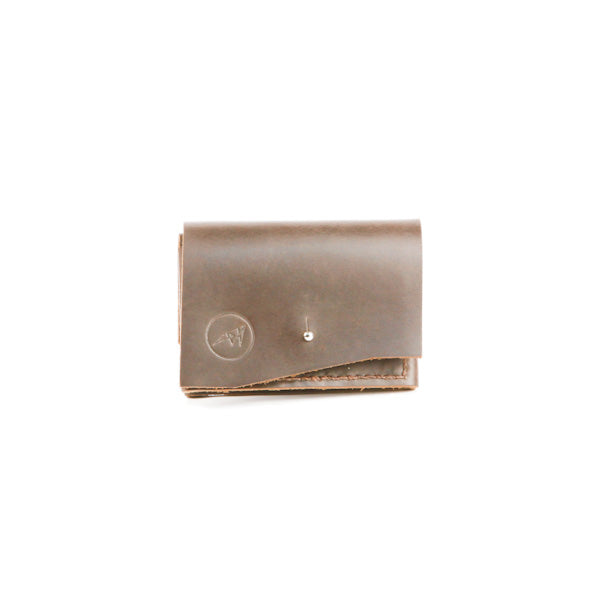 Monedero Bifold Cuero Cafe Nomade Leather Goods Disenia