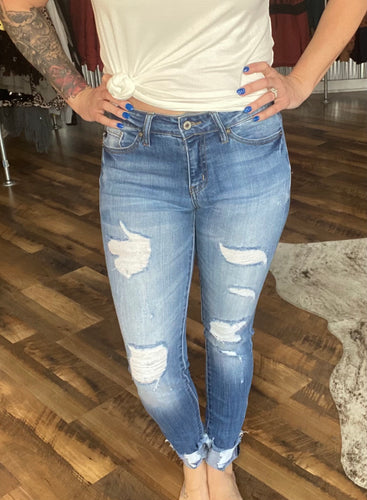 Mid Rise Light Wash Distressed Skinny KanCans