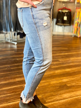 Load image into Gallery viewer, Medium Wash High Rise KanCan Jeans