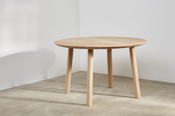 OVO Round Dining Table By Foster+Partners