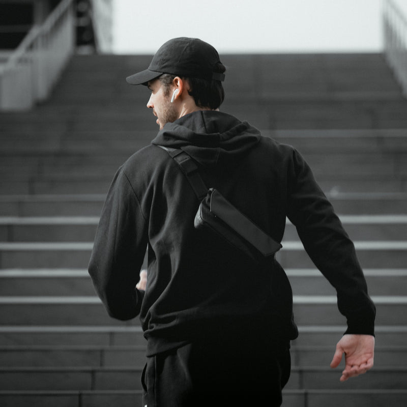DAYFARER Active Sling - UrbanCred