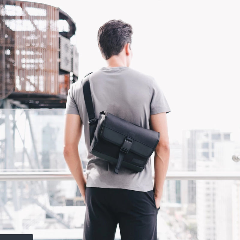 DAYFARER Sling - UrbanCred