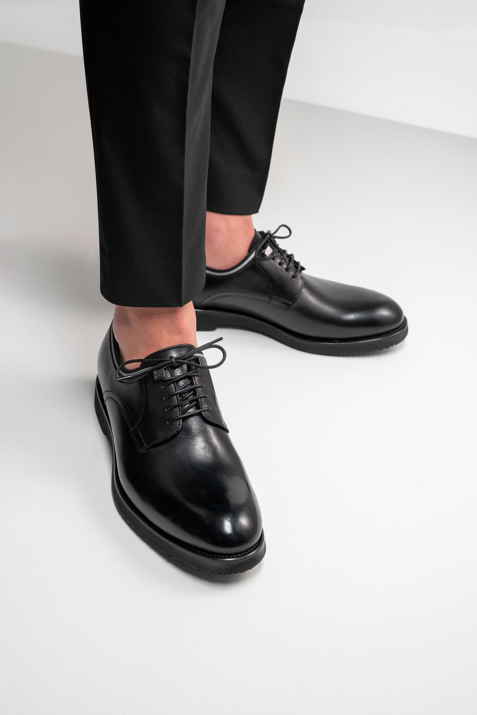 001 - Derby in Black Calfskin