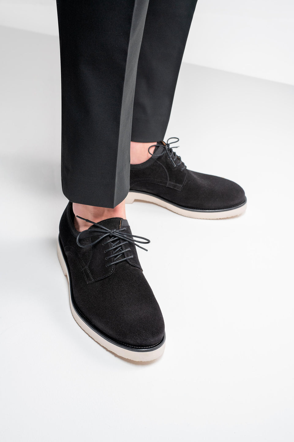 001 - Derby in Black Suede
