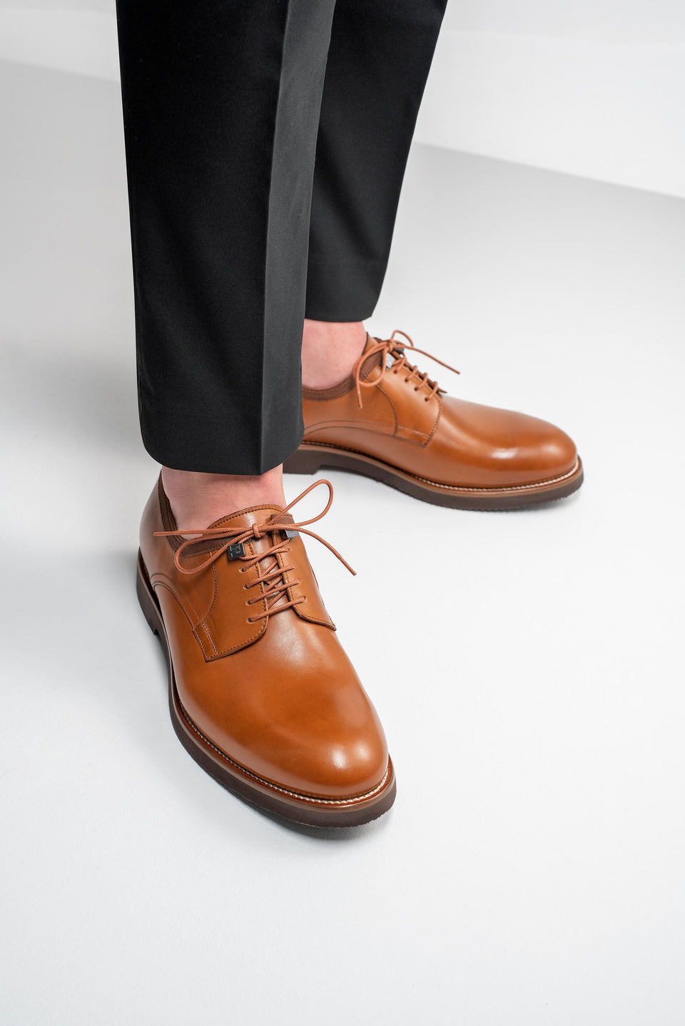 001 - Derby in Tan Calfskin