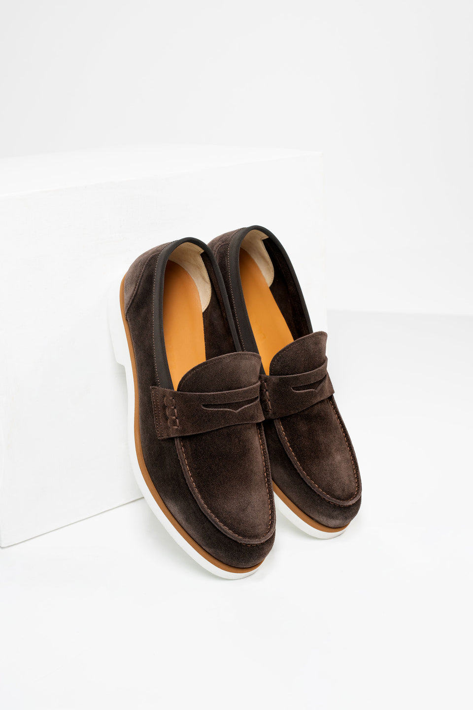 002 - Loafer in Brown Suede