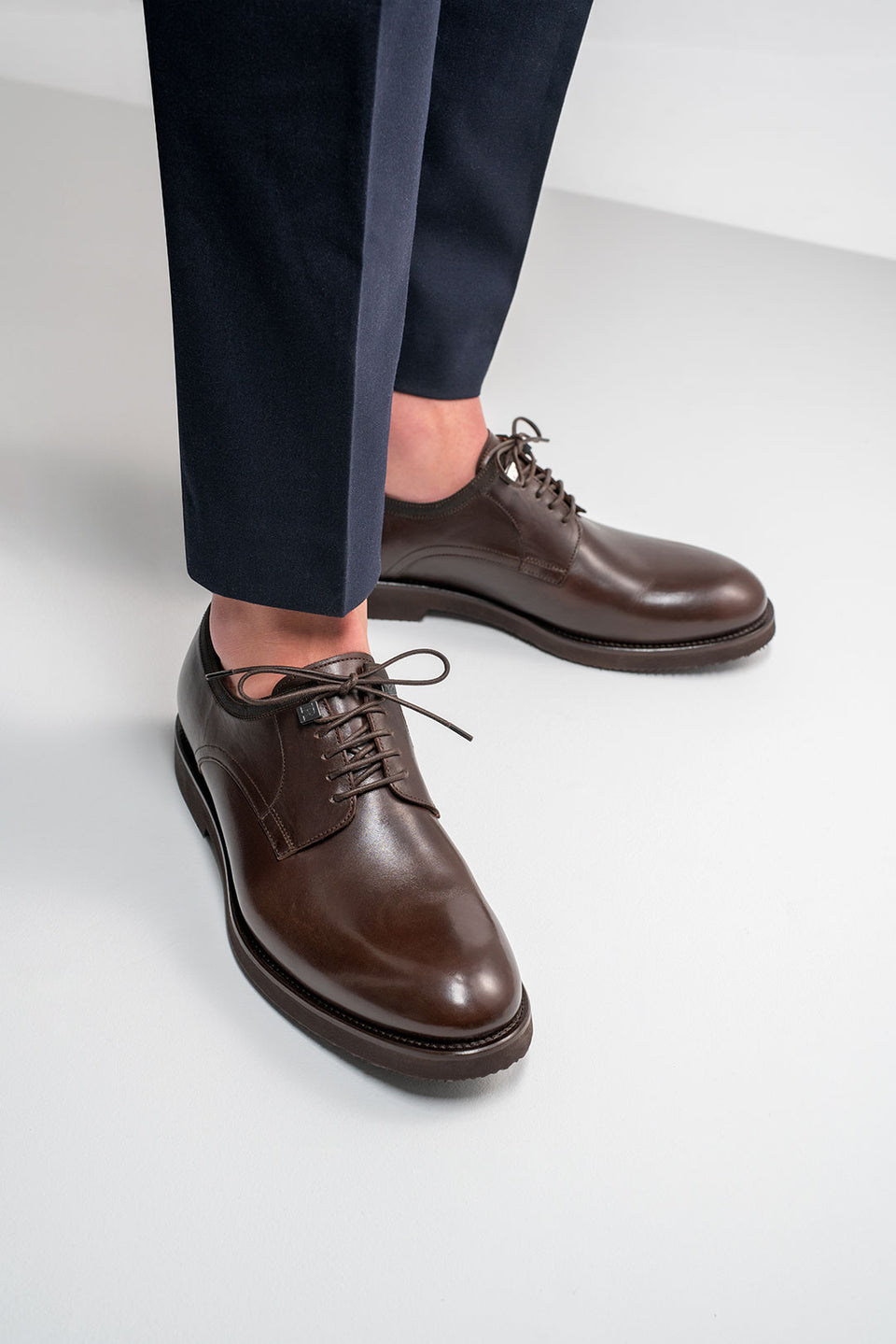 001 - Derby in Dark Brown Calfskin