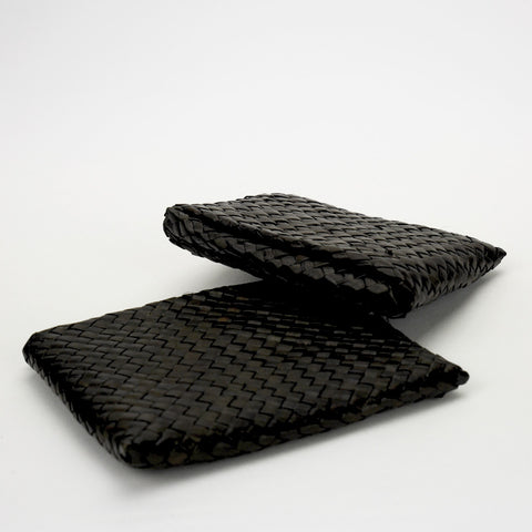 Our handwoven, eco-friendly and unique wallets made out of recycled palm tree leaves