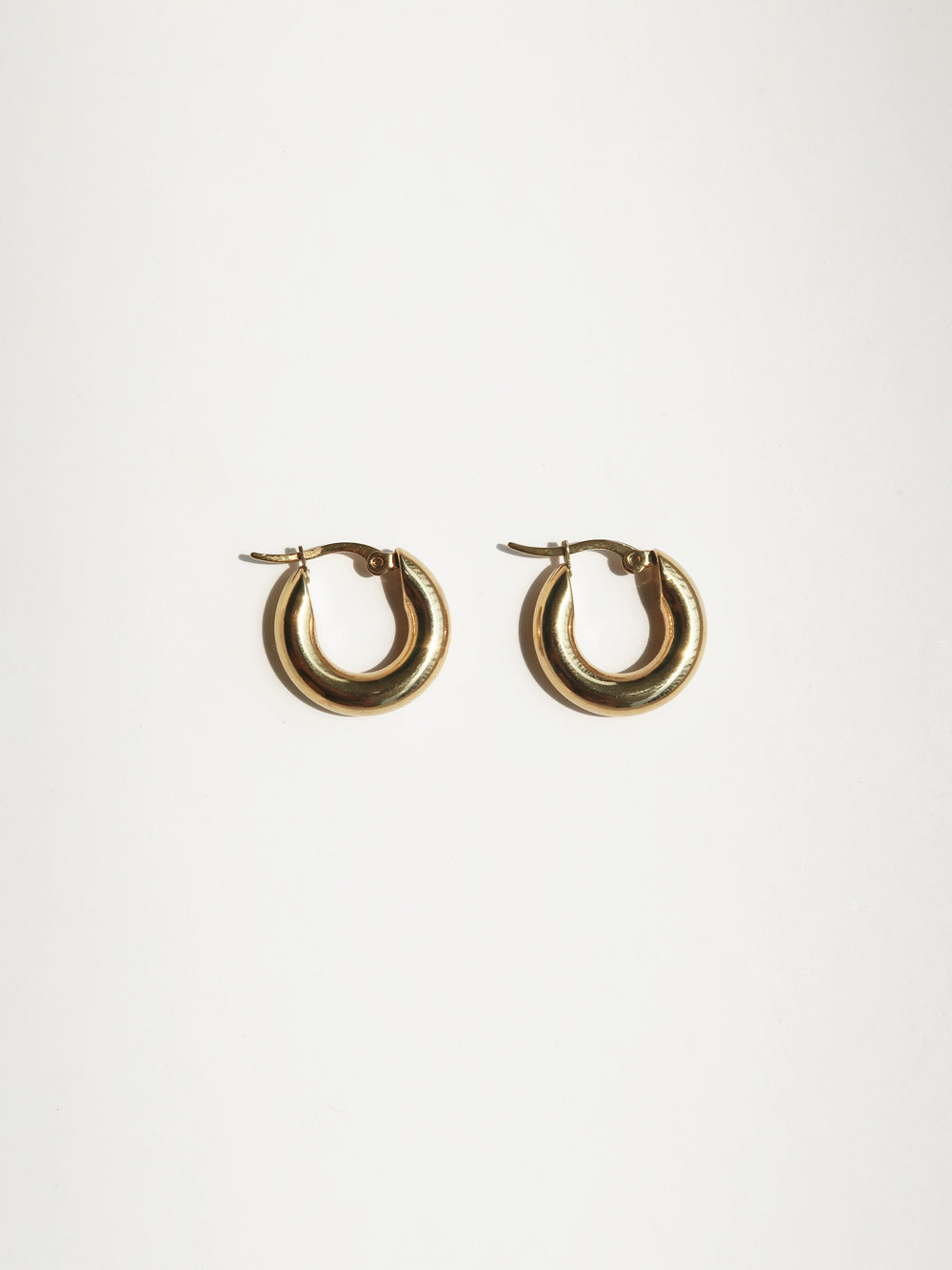 Common Muse Freja Hoop Small in Gold