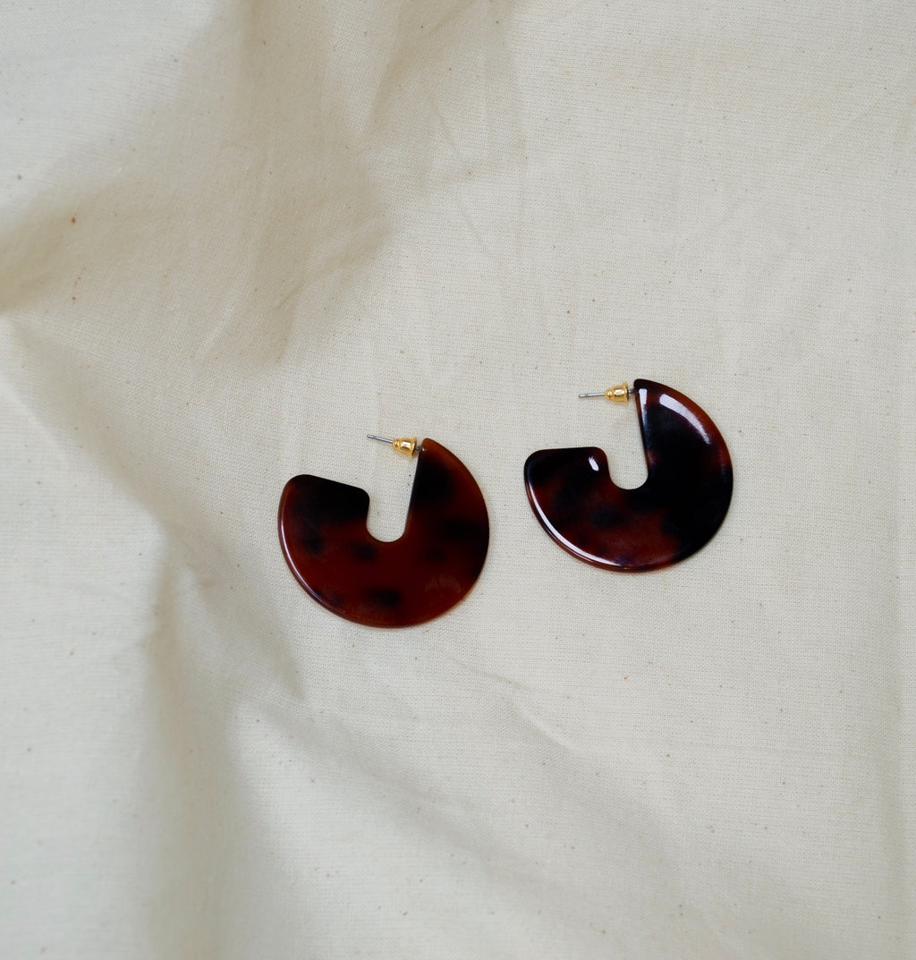 Resin Disc Earrings in Tortoiseshell