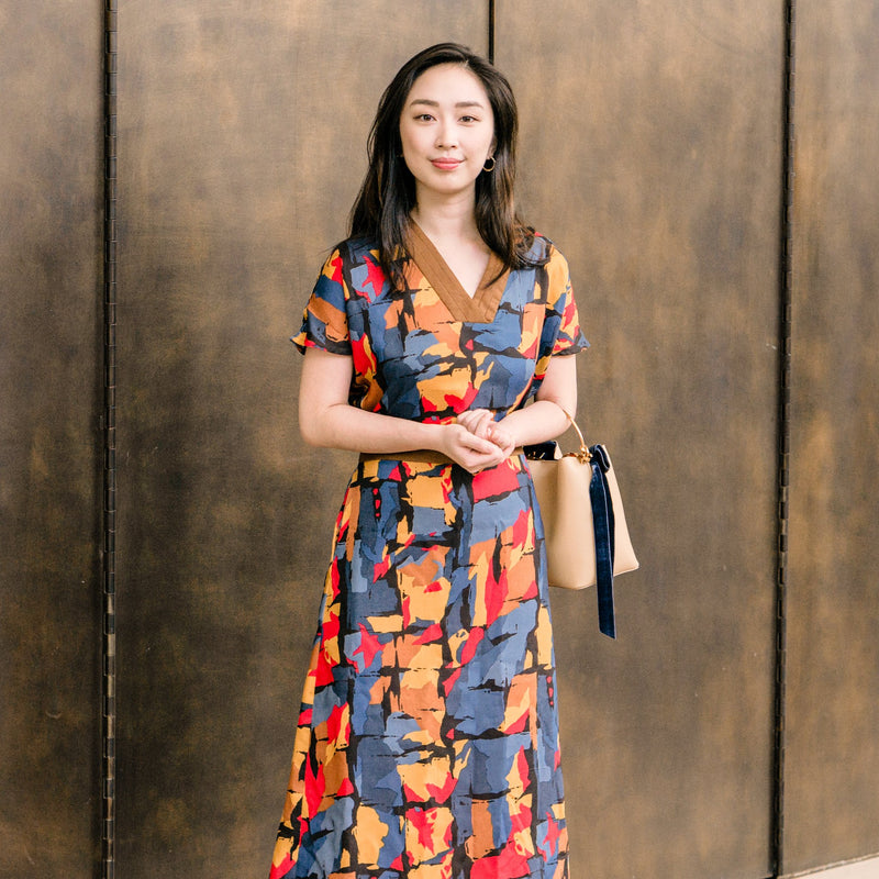 Pattern: 218 –  V–Neck Midi Dress
