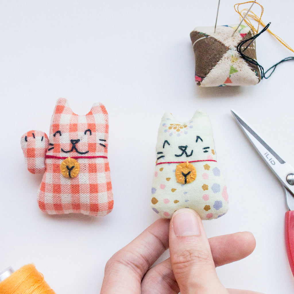 Neko Brooch Workshop by Momshoo