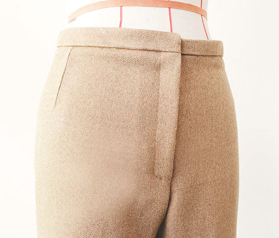 Womenswear Pants with attachment of fly front zipper placket and waistband (Front)