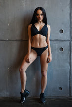 Load image into Gallery viewer, Basic Bra String Black - Designed for Fitness