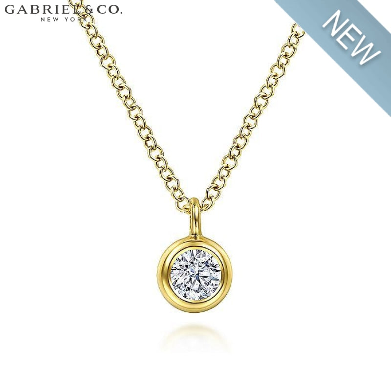 14Kt 0.21Ct White Sapphire Necklace Jewellery