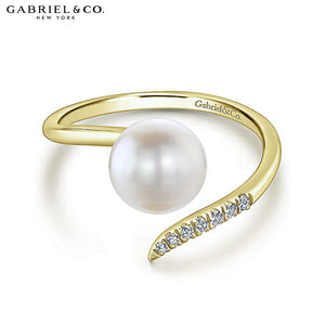 14kt 0.04ctw Natural Diamond and Pearl Ring
