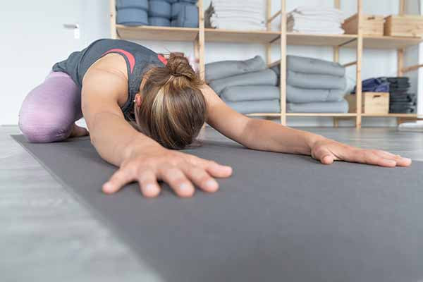 Try yoga as a form of exercise if you have allergies.