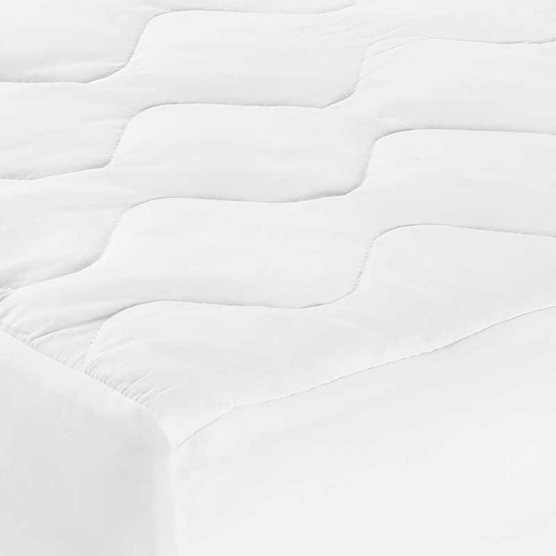 Deluxe Waterproof Mattress Pad Corner