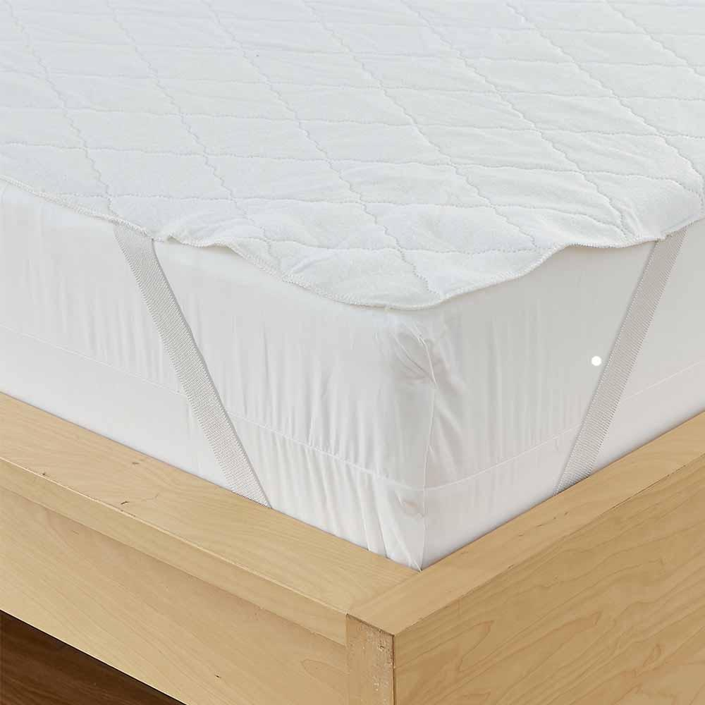 Quilted Waterproof Mattress Pad 3-Ply Anchor Bands