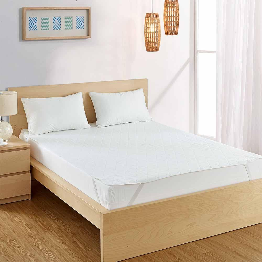 Quilted Waterproof Mattress Pad 3-Ply Room
