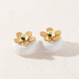 Buy online White Gold Daisy contact lens case at shopankit.com