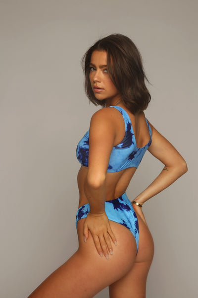 Check out the Ari Blue Raspberry Bottom. A great quality set that will meet all your needs.