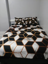 Load image into Gallery viewer, Geometric Bedding Set