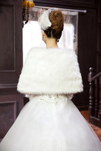 Load image into Gallery viewer, Warm Faux Fur Stoles Wedding Wrap