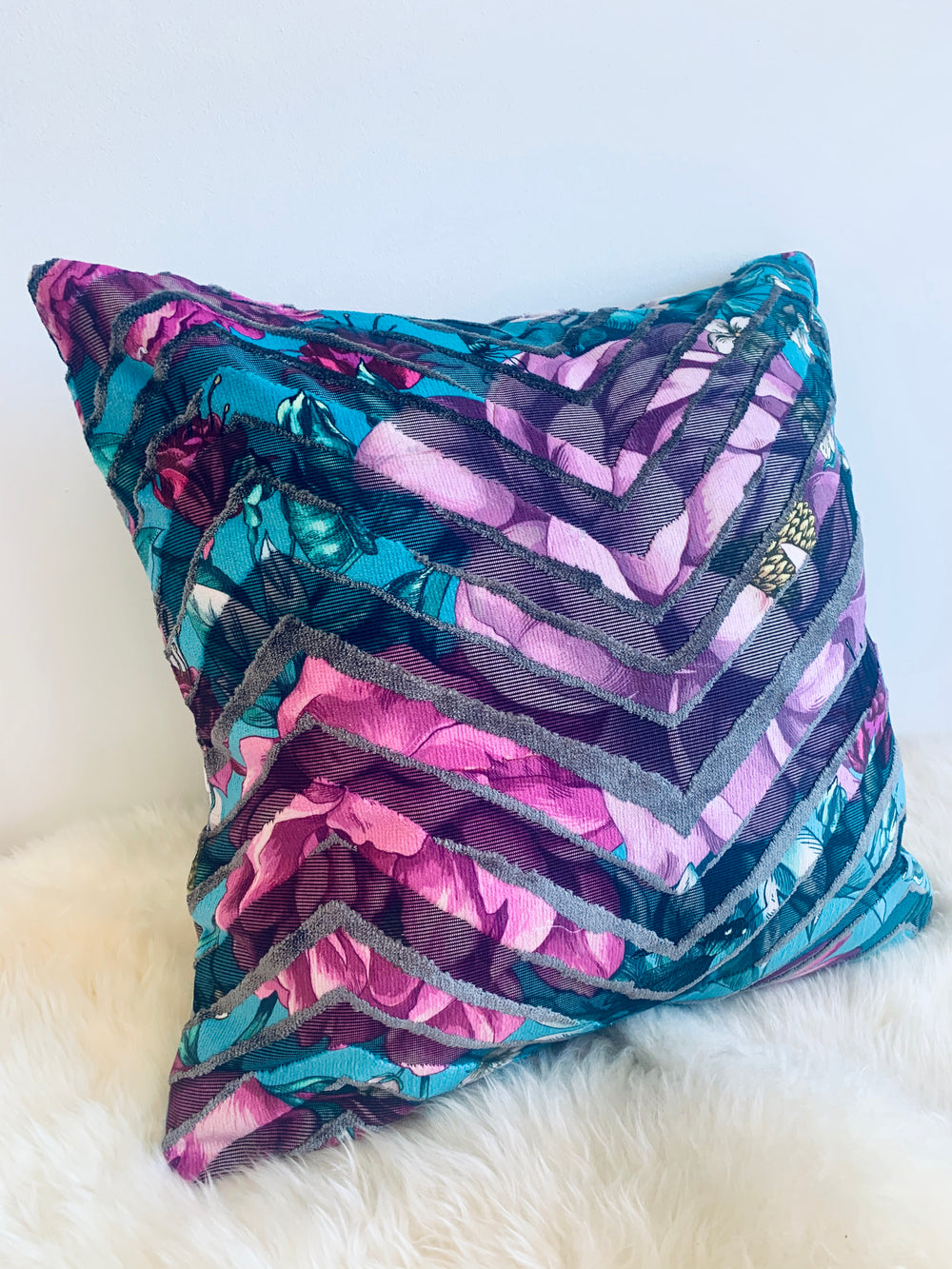 TEAL SKY, velvet throw pillow