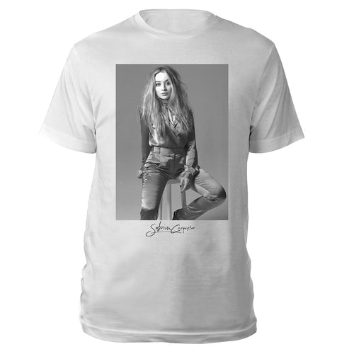BLACK & WHITE PORTRAIT TEE - Sabrina Carpenter