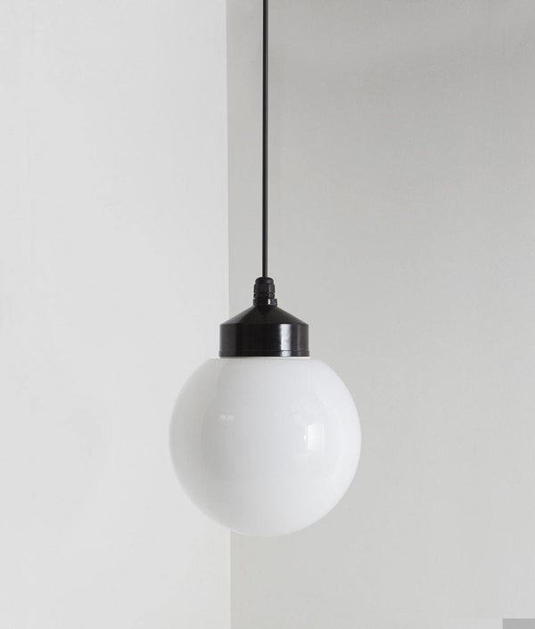 "Suspension ""Bauhaus"", verrerie boule, grand modèle"