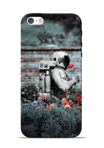 Astronaut Garden iPhone 5s Mobile Back Cover