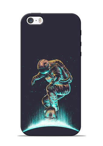 Astronaut Roller Skating iPhone 5s Mobile Back Cover