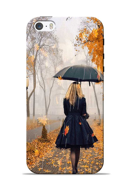 Walk In A Rain iPhone 5s Mobile Back Cover