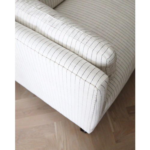Margot Sofa-Sofa-Anecdote